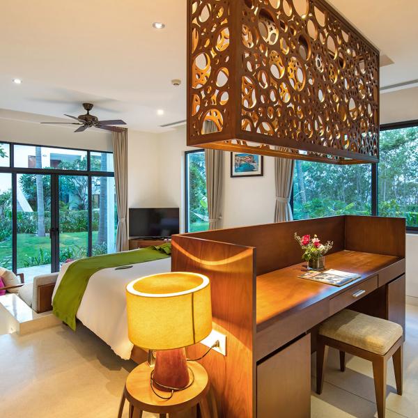 Terrace Pool Suite 3